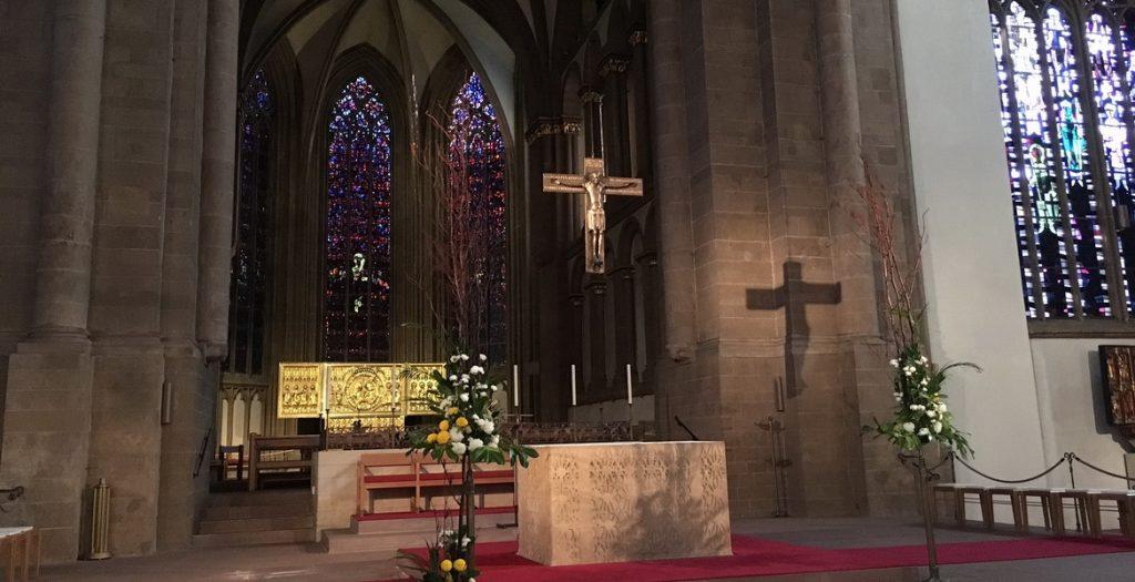 Eine Kopie des Mindener Kreuzes hängt im Dom zu Minden. Foto: Hans-Jürgen Amtage