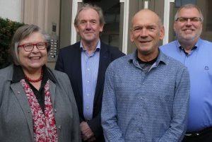 Der Vorstand des Dombau-Vereins wirkt in einer teilweisen Neubesetzung. Neu ins Vorstandsteam um den Vorsitzenden Hans-Jürgen Amtage (r.) und Schatzmeister Hans-Jürgen Trakies (2. v. l.) wurden Geschäftsführerin Annemarie Lux (l.) und Andreas Kresse (2. v. r.) einstimmig gewählt. Foto: DVM